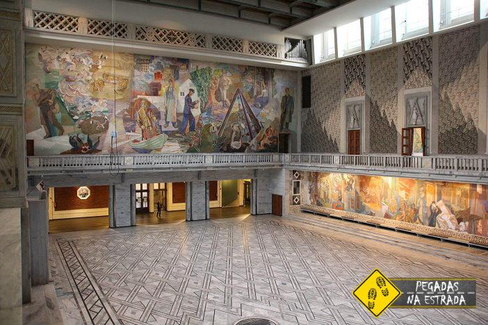 Painéis no interior da Prefeitura de Oslo. Foto: CFR / Blog Pegadas na Estrada