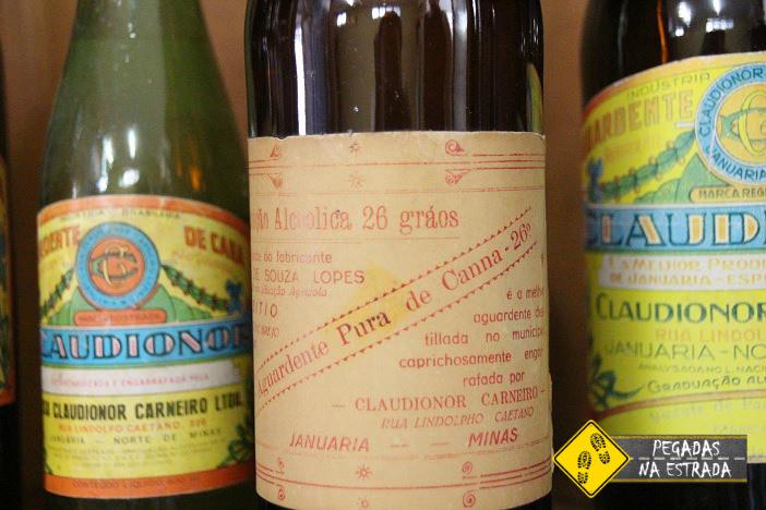 Primeiro rótulo da Cachaça Claudionor. Foto: CFR / Blog Pegadas na Estrada