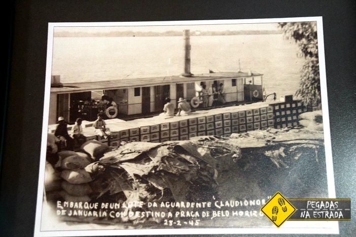Embarcação de cachaça rumo à Pernambuco. Foto: CFR / Blog Pegadas na Estrada