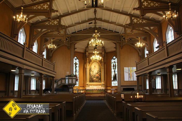 Interior da Catedral de Tromso. Foto: CFR / Blog Pegadas na Estrada