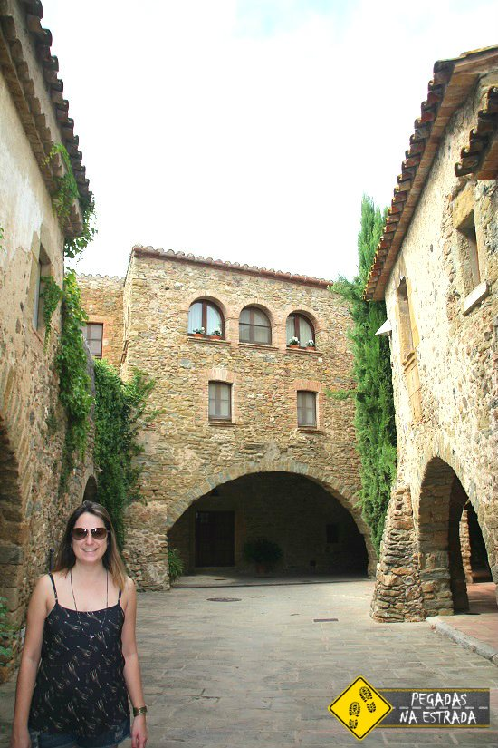 Monells ocho apellidos catalanes