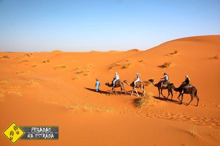 Passeio de dromedário no Deserto do Saara Marrocos