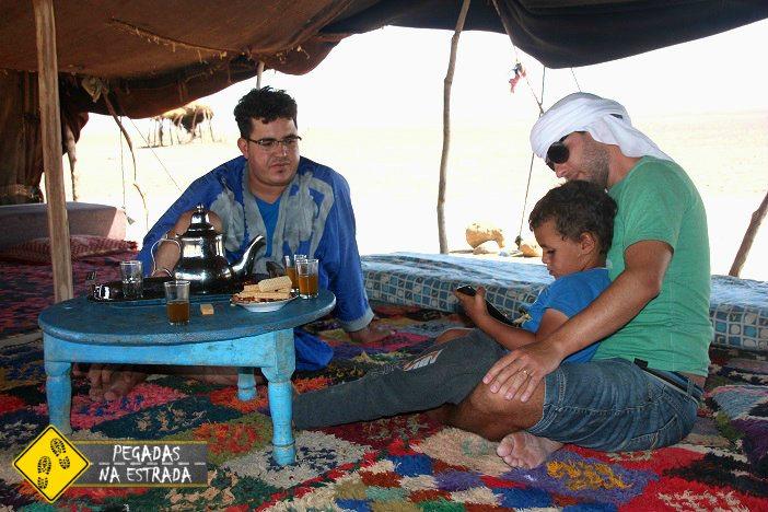 Visita a uma família nômade do deserto