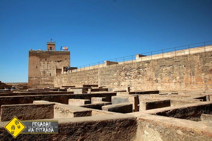 Ruínas e muralhas de Alcazaba